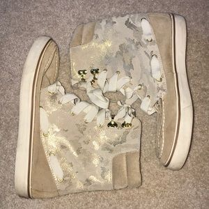 Sperry Tan Camo Boots!! SIZE 8!
